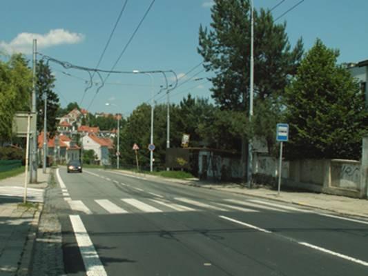 obrázek:obr 1 sledovany prechod pro chodce pohled smerem pisarky