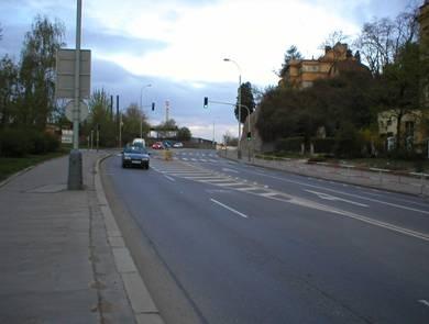obrázek:obr pohled na zuzeny ctyrpruh v miste prechodu
